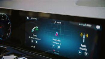 2021 Mercedes-Benz GLA TV Spot, 'Big' [T1] - Thumbnail 4