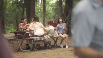 Chinet TV Spot, 'Here's to Us: Rock Skipping' - Thumbnail 4