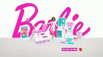 Barbie Fast Cast Clinic TV Spot, 'Everyday Hero' - Thumbnail 9