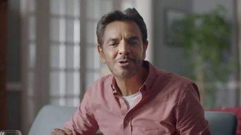 DishLATINO TV Spot, 'Llegar a casa' con Eugenio Derbez [Spanish] - Thumbnail 8
