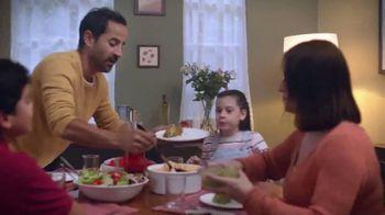 DishLATINO TV Spot, 'Llegar a casa' con Eugenio Derbez [Spanish] - Thumbnail 5