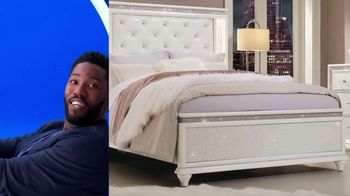 Rooms to Go 30th Anniversary Sale TV Spot, 'Lighted Headboard Bedroom Set: $1,677' Song by Junior Senior - Thumbnail 4