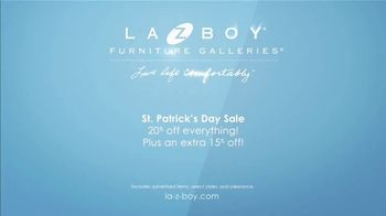La-Z-Boy St. Patrick's Day Sale TV Spot, 'So Many Colors' Featuring Kristen Bell - Thumbnail 9