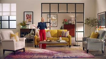 La-Z-Boy St. Patrick's Day Sale TV Spot, 'So Many Colors' Featuring Kristen Bell - Thumbnail 2
