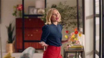 La-Z-Boy St. Patrick's Day Sale TV Spot, 'So Many Colors' Featuring Kristen Bell - Thumbnail 5