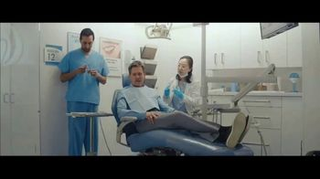Visible TV Spot, '12 Degrees of Kevin Bacon' Featuring Kevin Bacon, Michael Gross - Thumbnail 4