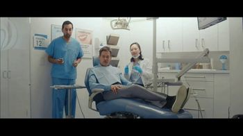 Visible TV Spot, '12 Degrees of Kevin Bacon' Featuring Kevin Bacon, Michael Gross - Thumbnail 5