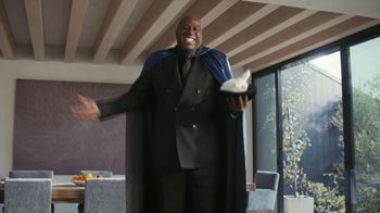 Capital One TV Spot, 'It's Like Magic' Featuring Charles Barkley, Samuel L. Jackson, Magic Johnson - Thumbnail 6
