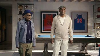 Capital One QuickSilver TV Spot, 'Barkleylounger' Ft. Charles Barkley, Samuel L. Jackson, Spike Lee - Thumbnail 7