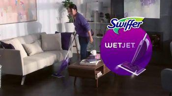 Swiffer WetJet TV Spot, 'Confesiones de limpieza con Leah' [Spanish] - Thumbnail 4