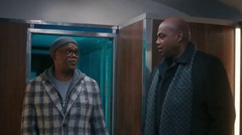 Capital One TV Spot, 'All Aboard' Featuring Charles Barkley, Spike Lee, Samuel L. Jackson, Gladys Knight - Thumbnail 3