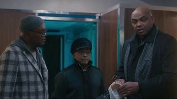Capital One TV Spot, 'All Aboard' Featuring Charles Barkley, Spike Lee, Samuel L. Jackson, Gladys Knight - Thumbnail 5