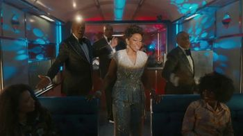 Capital One TV Spot, 'All Aboard' Featuring Charles Barkley, Spike Lee, Samuel L. Jackson, Gladys Knight - Thumbnail 6