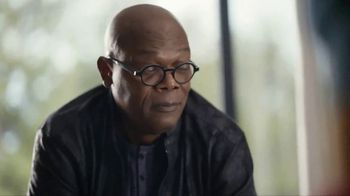 Capital One TV Spot, 'All Aboard' Featuring Charles Barkley, Spike Lee, Samuel L. Jackson, Gladys Knight - Thumbnail 8