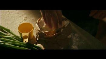 Apple iPhone 12 TV Spot, 'Cook' Song by Naïka - Thumbnail 4