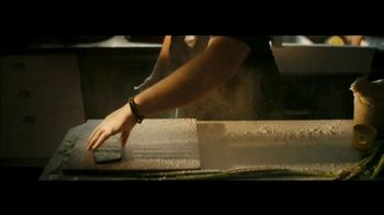 Apple iPhone 12 TV Spot, 'Cook' Song by Naïka - Thumbnail 5