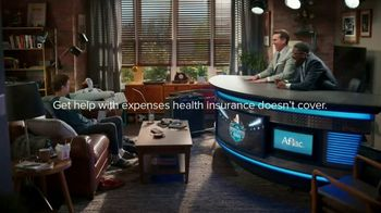 Aflac TV Spot, 'Half-Court Hurt' Featuring Rob Riggle, Lil Rel Howery - Thumbnail 9