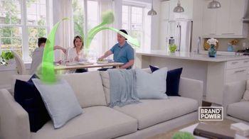 Febreze Fabric Refresher TV Spot, 'Brand Power: Last Night's Dinner' - Thumbnail 3