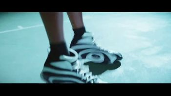 Icy Hot TV Spot, 'Rise from Pain' Featuring Shaquille O'Neal - Thumbnail 10