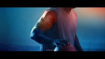 Icy Hot TV Spot, 'Rise from Pain' Featuring Shaquille O'Neal - Thumbnail 7