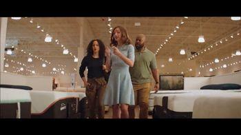 Havertys TV Spot, 'Tina & Tim: $500 Off on TEMPUR-BREEZE' - Thumbnail 4