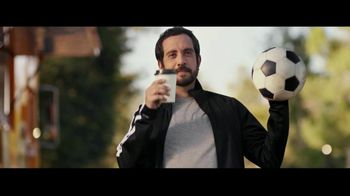 Wells Fargo Checking TV Spot, 'Bank Without Missing a Beat: Sporty Steven'