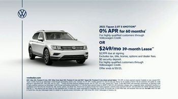 Volkswagen TV Spot, 'Raccoons: SUVs' [T2] - Thumbnail 6