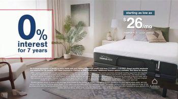 Ashley HomeStore Stars + Stripes Weekend Sale TV Spot, 'Free Adjustable Base, 0% Interest, $300' - Thumbnail 5