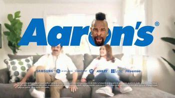Aaron's TV Spot, 'Sofa' con Mr. T [Spanish] - Thumbnail 6
