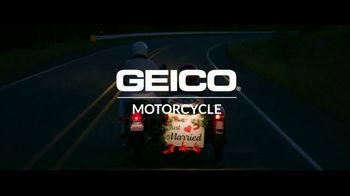 GEICO Motorcycle TV Spot, 'Sidecar Groom' Song by The Foundations - Thumbnail 10