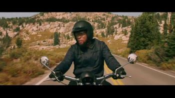 GEICO Motorcycle TV Spot, 'Sidecar Groom' Song by The Foundations - Thumbnail 2