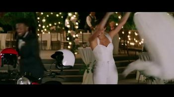 GEICO Motorcycle TV Spot, 'Sidecar Groom' Song by The Foundations - Thumbnail 8
