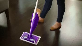 Swiffer WetJet Wood TV Spot, 'Emily's Cleaning Confession' - Thumbnail 3