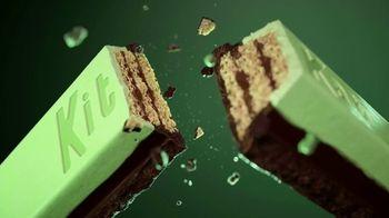 KitKat Duos TV Spot, 'Mint + Dark Chocolate, Mocha + Chocolate'