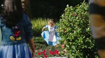 Disney World TV Spot, 'Alice in Wonderland Party: Two Extra Days' Song by Rex Allen - Thumbnail 3