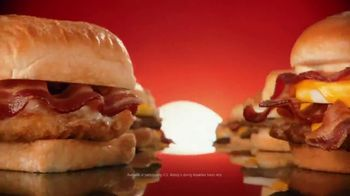Wendy's Breakfast TV Spot, 'Reggie With the W' Featuring Reggie Miller, Kenny Smith - Thumbnail 10