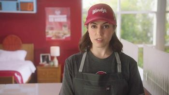 Wendy's Breakfast TV Spot, 'Reggie With the W' Featuring Reggie Miller, Kenny Smith - Thumbnail 5