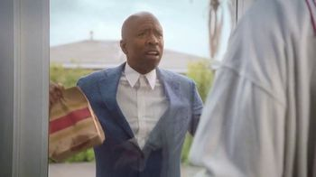 Wendy's Breakfast TV Spot, 'Reggie With the W' Featuring Reggie Miller, Kenny Smith - Thumbnail 7