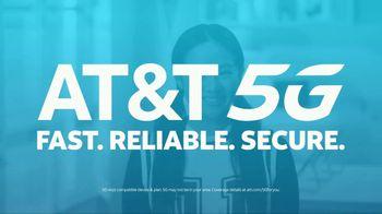 AT&T Wireless 5G TV Spot, 'Foam Hands: Mask' - Thumbnail 9
