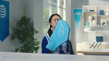 AT&T Wireless 5G TV Spot, 'Foam Hands: Mask' - Thumbnail 5