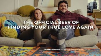 Coors Light TV Spot, 'Lookin for Love' Song by Johnny Lee - Thumbnail 8