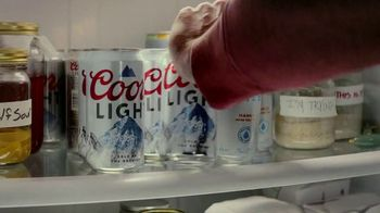Coors Light TV Spot, 'Lookin for Love' Song by Johnny Lee - Thumbnail 4