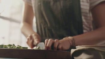 Home Chef TV Spot, 'Hand in Hand: $90 Off' - Thumbnail 4