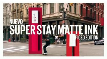 Maybelline New York SuperStay Matte Ink Spiced Edition TV Spot, 'Intensificar' [Spanish] - Thumbnail 8