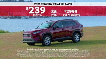 2021 Toyota RAV4 TV Spot, 'Western Washington Road Trip: Chelsea Farms' Ft. Ethan Erickson [T2] - Thumbnail 6