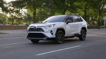 Toyota TV Spot, 'Earth Day: Hybrids ' [T2] - Thumbnail 7