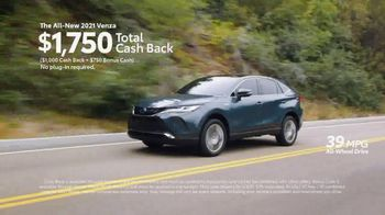 Toyota TV Spot, 'Earth Day: Hybrids ' [T2] - Thumbnail 5