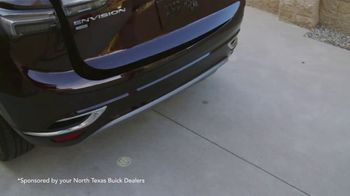 Buick Envision TV Spot, 'Designed and Refined' [T2] - Thumbnail 6