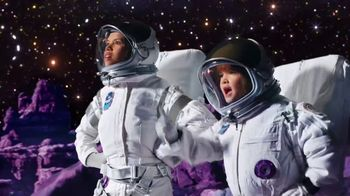 Lucky Charms Galatic TV Spot, 'El espacio' [Spanish] - 514 commercial airings