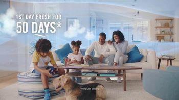 Febreze Fade Defy PLUG TV Spot, 'First Day Fresh for 50 Days'